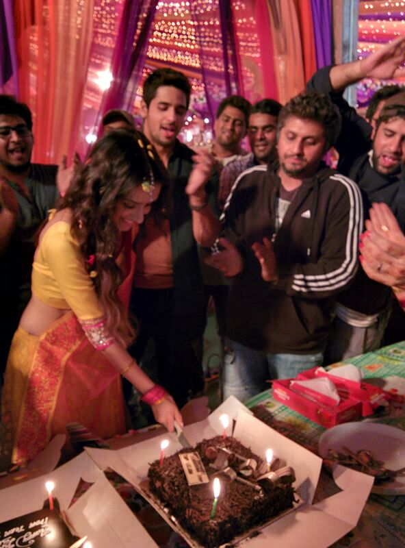 A special cake was brought in for Shraddha, who is currently shooting for the Mohit Suri-directed film with Sidharth Malhotra