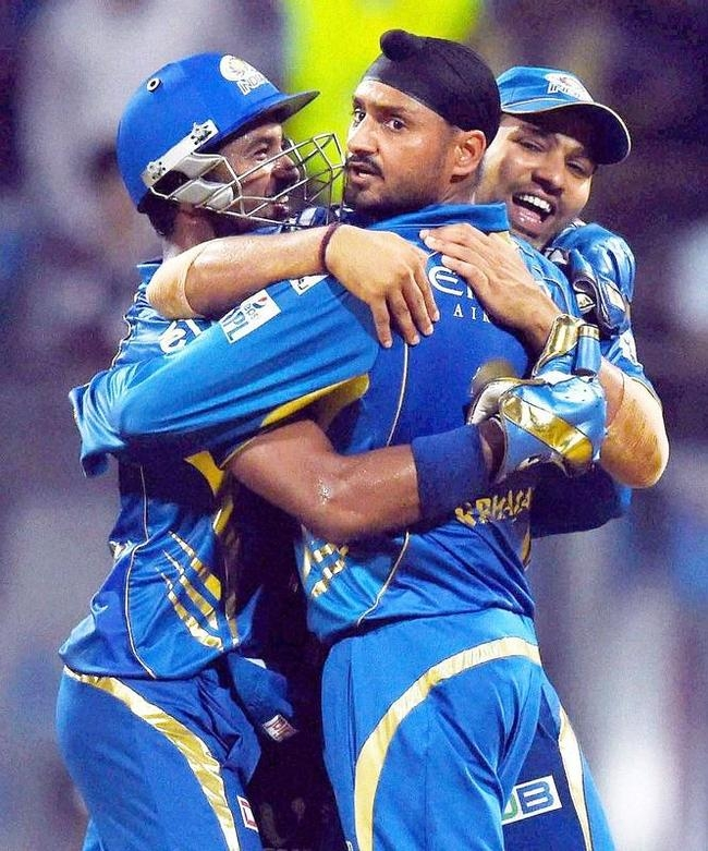 Harbhajan Singh Ecstatic After Getting Gayle