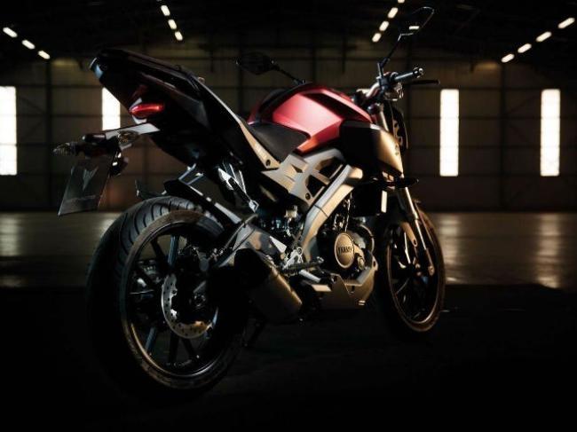 Yamaha M-125