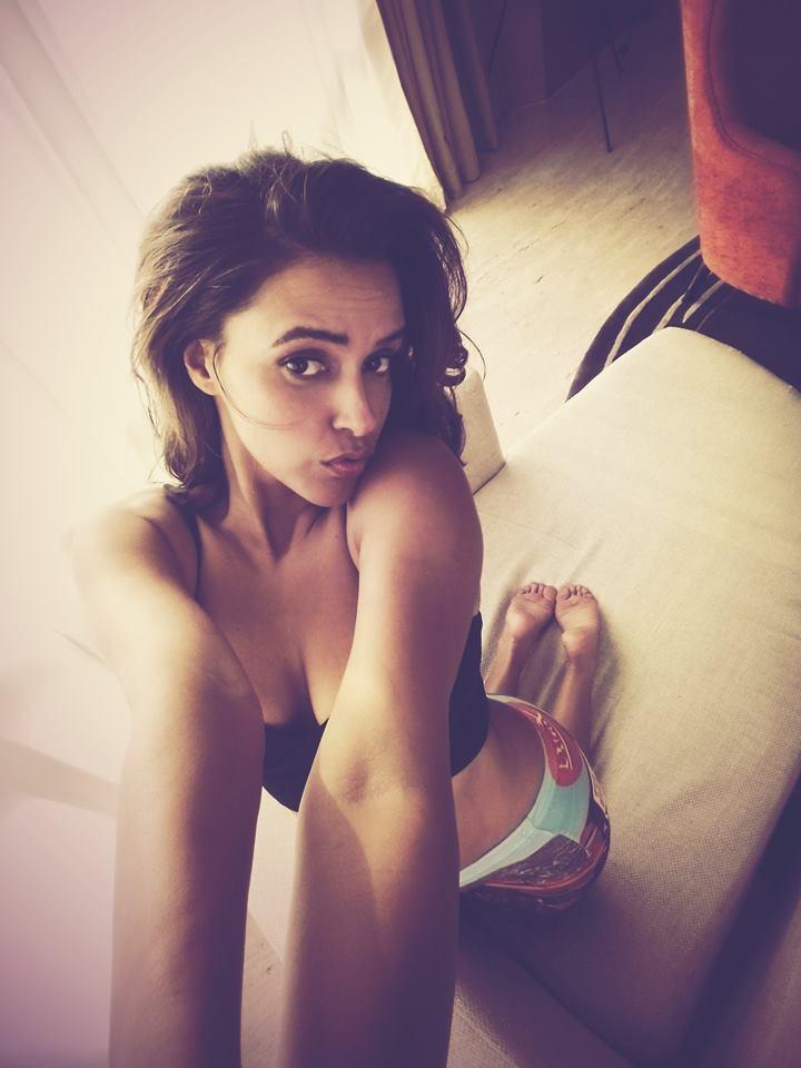 Neha Dhupia selfie photoshoot