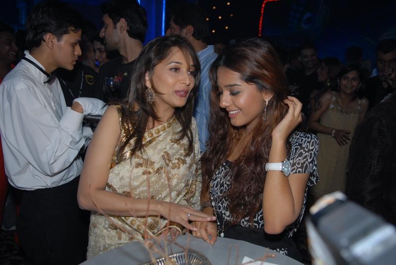 Madhuri Dixit-Nene and Amrita Rao