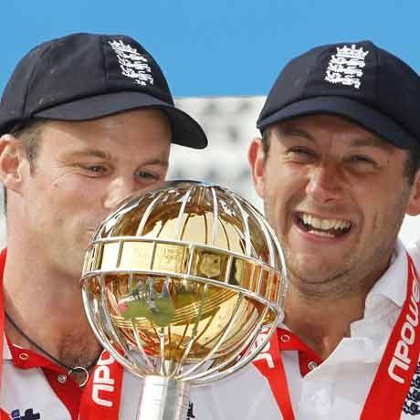 England on top as fixing still haunts cricket