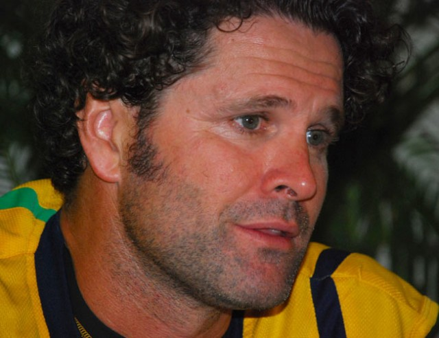 Ex-Kiwi great Cairns says Ponting is