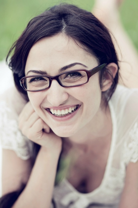 Makeup tips for the bespectacled