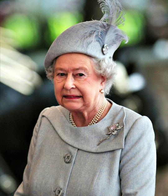 School Shooting Britain: Queen Elizabeth 'Shocked' By US Shootings