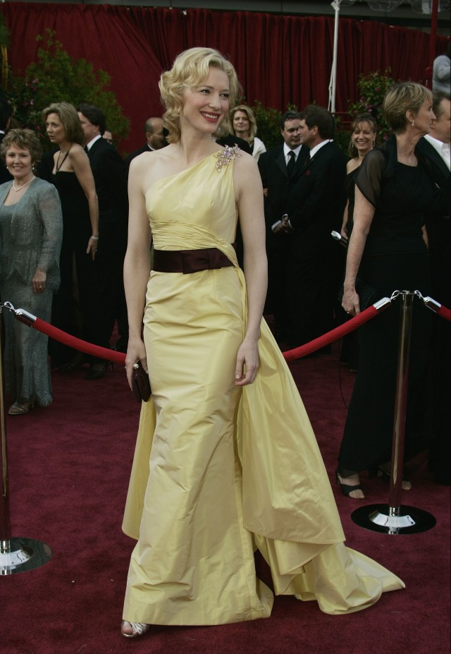 Top 10 Oscar Gowns of All Time - Indiatimes.com