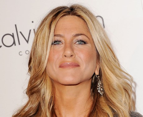 Aniston rumoured to be six months pregnant