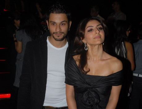 Not moving in with Soha Ali Khan: Kunal Khemu
