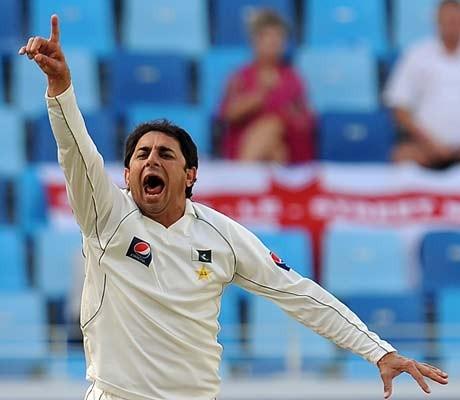 Five-wicket Ajmal mesmerizes England