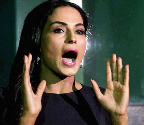 Veena Malik open to stripping for Hollywood