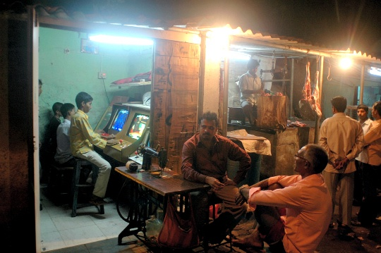 Computers, Internet Make Way Into Punjab Slums
