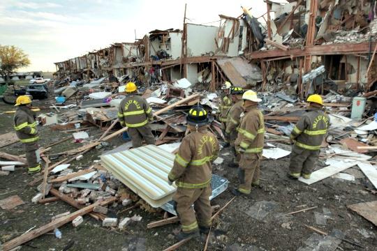 Survivors Sought in Texas Plant Blast