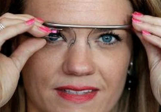 Google Glass Gets Chic Cat-Eye Frames