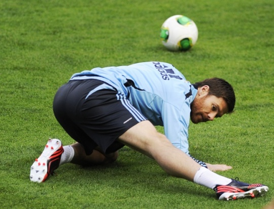 Real Madrid's Xabi Alonso Breaks Foot