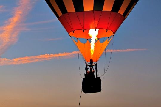 Hot Air Balloon Rides Take Flight in Kashmir