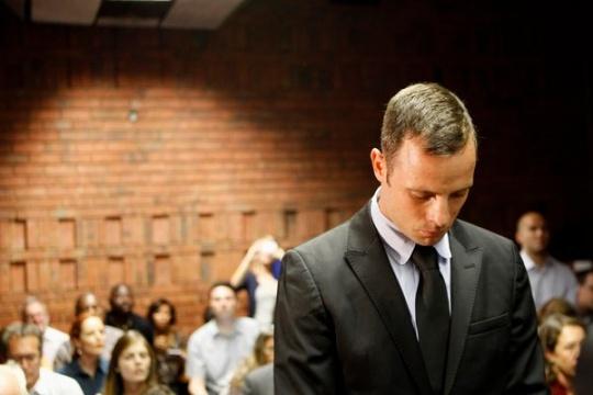 Oscar Pistorius Gets Bail in Girlfriend's Shooting Case