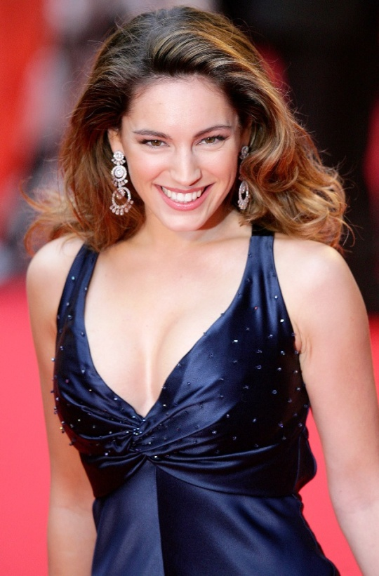 Kelly Brook to Give Romance Another Go