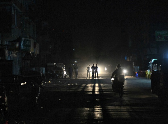 Pakistan Hit by Nationwide Blackout