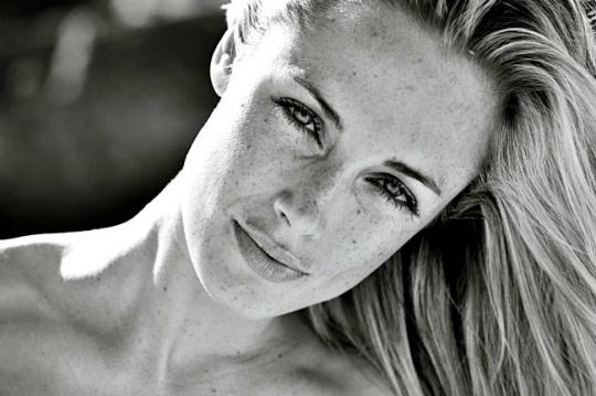 Pistorius KILLED PREGNANT Girlfriend?