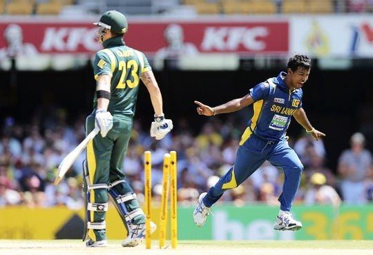 Sri Lanka bundle out Australia for 74