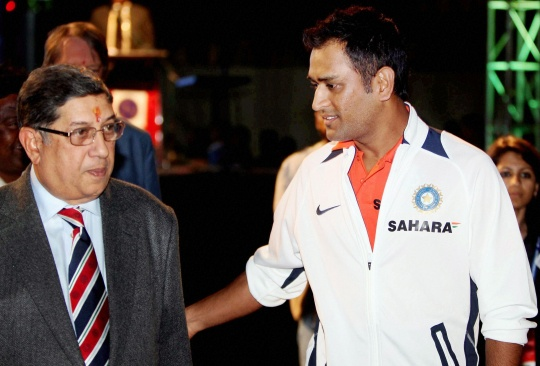 MSD Dumps Air India, Joins India Cements