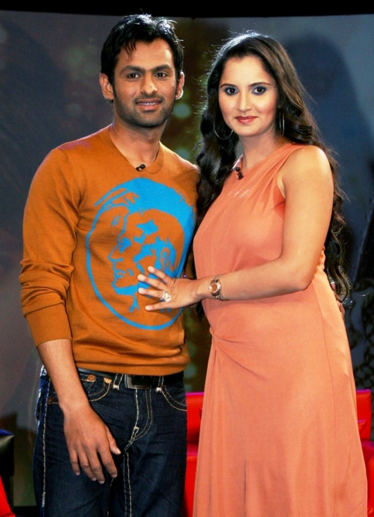 Pakistani Cricketer Shoaib Malik Married Indias Hottest Tennis Babe Sania Mirza In April 2010 The Islamic Wedding Ceremony Was Held Hyderabad