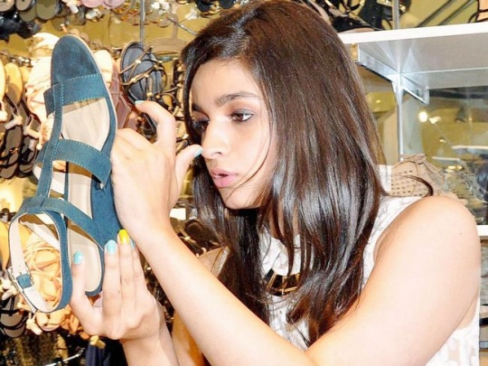 Here Are 7 Shoe Shopping Rules That Every Woman Should Know! 11