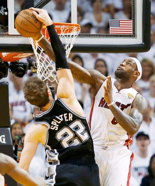 Miami Heat Smash Spurs To Square Finals
