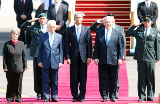 Obama Sets Off For Israel Charm Offensive