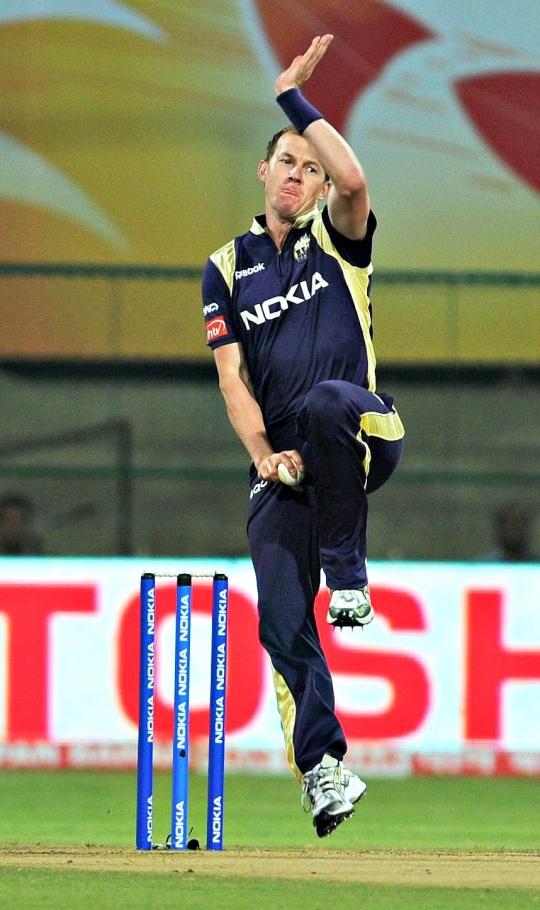 Brett Lee Replaces Wasim Akram as KKR bowling mentor