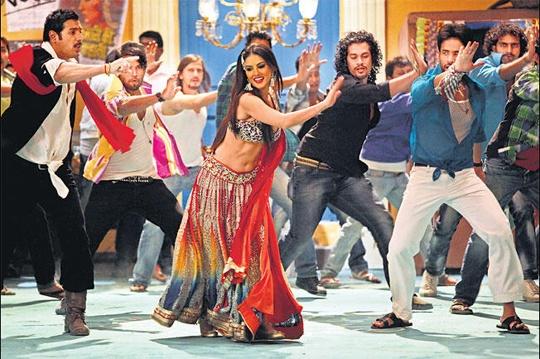 John Abraham, Sunny Leone and Tusshar Kapoor