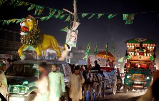 Parties of Nawaz, Imran in Tight Race