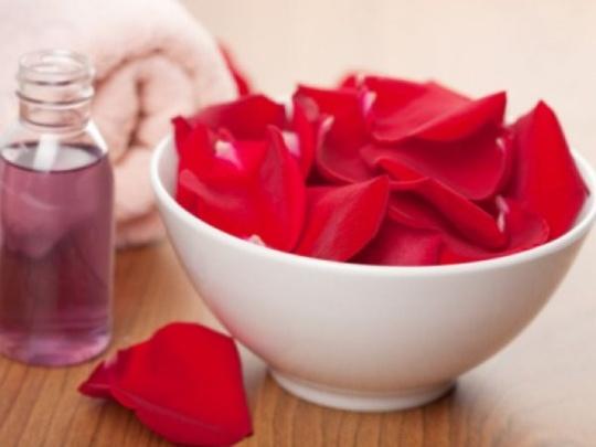 Rose Absolute:- Rose Damascena