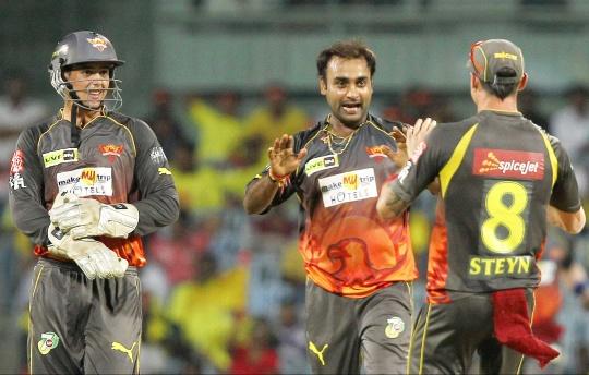 IPL: Hyderabad Take On Mumbai
