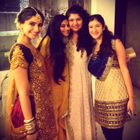 Kapoor Khandaan Calls A Truce; Comes Together For Diwali ...