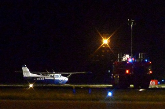 Passenger Lands Plane After Pilot Dies Mid-flight