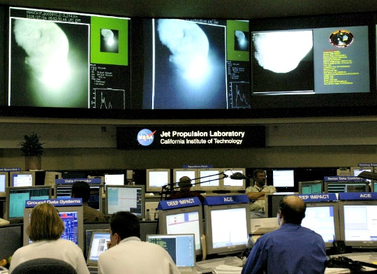 NASA Loses Contact With Deep Impact Spacecraft