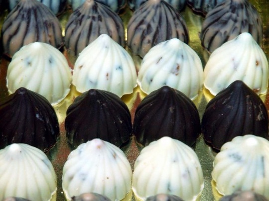 Chocolate modaks