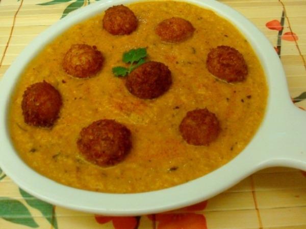 Vegetarian kofta cheese ball curry recipe recipes indiatimes vegetarian kofta cheese ball curry recipe forumfinder Gallery