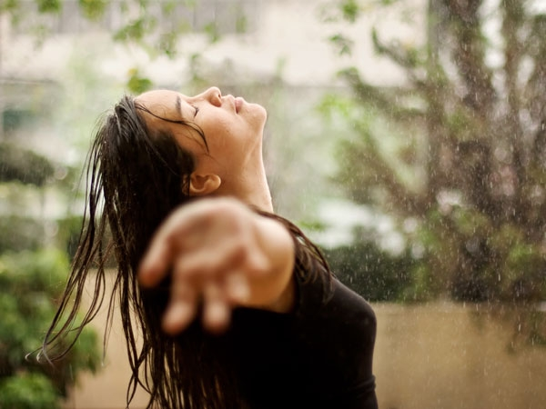 Amazing Skincare Tips For Glowing Skin In Monsoon