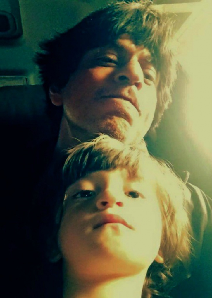 Pictures That Prove Was The Year Of Selfies In Bollywood - 20 adorable like father like son moments