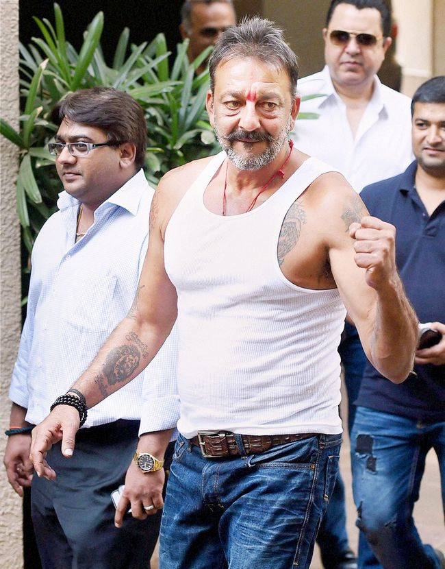 Sanjay dutt got himself a 6 pack in jail heres how you can too sanjay dutt thecheapjerseys Images