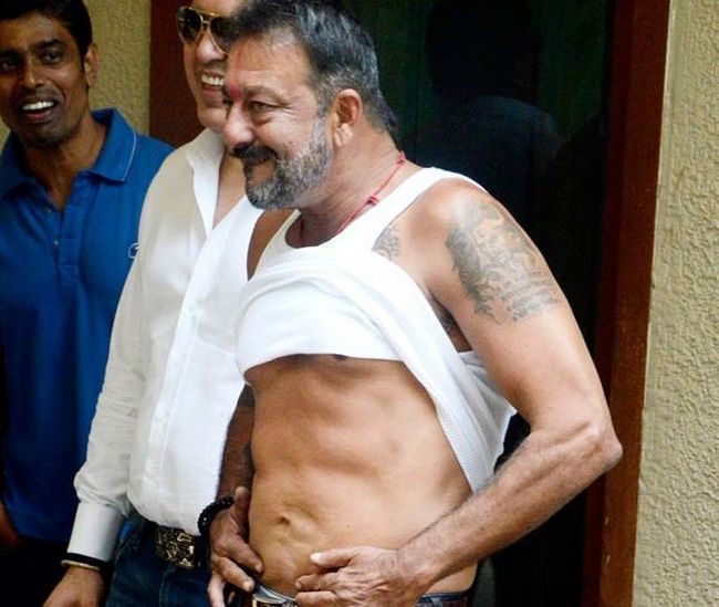 Sanjay Dutt Got Himself A 6-Pack In Jail. Here's How You ...