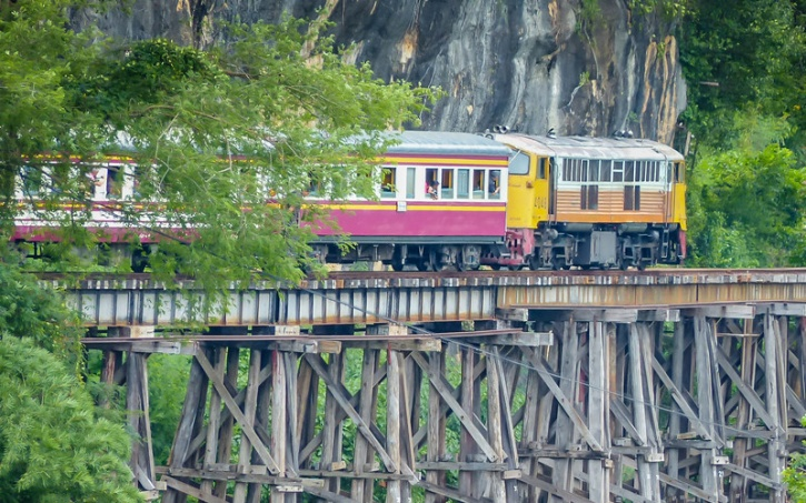 how to get to death railway from bangkok