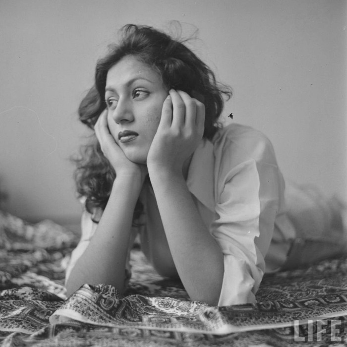 11_1436782767 Madhubala- The story of the black and white era