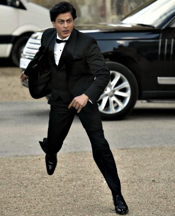Shah Rukh Khan Fan Oxford Mark Hemsworth Sabha Hot Videos