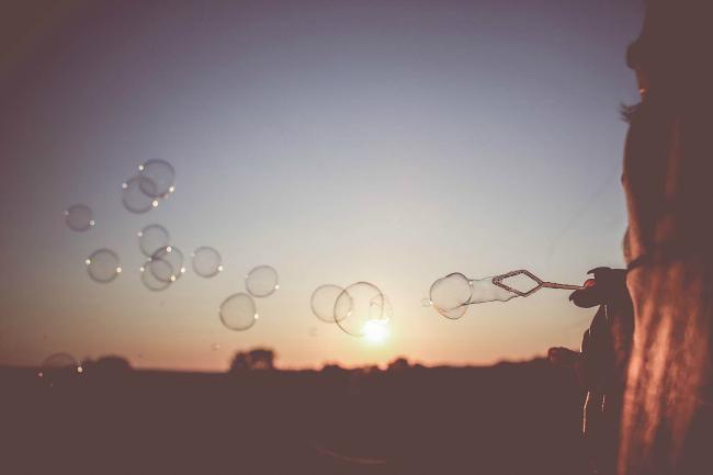 sunset bubble girl