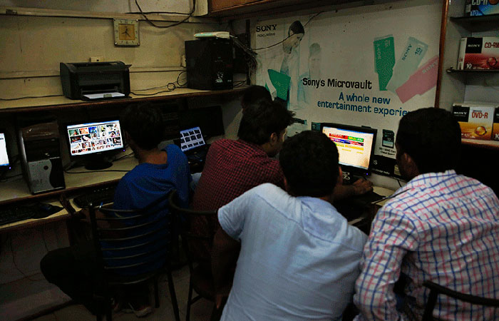 Real internet cafe india