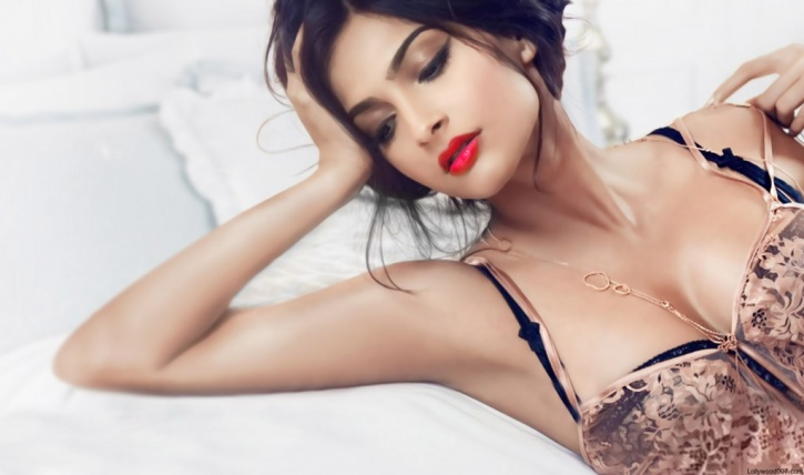 He Groped My Breasts I Started Shivering, Says Sonam -2426