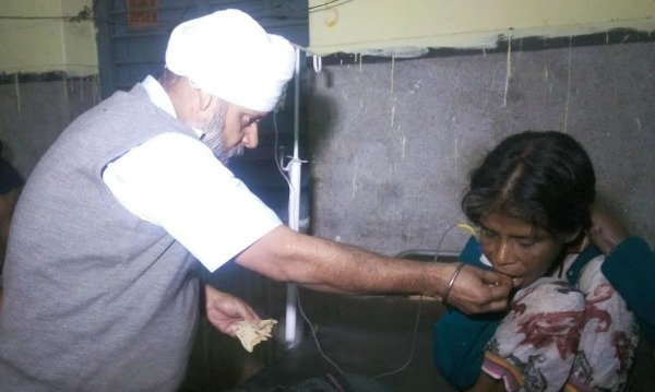 Gurmeet Singh Takes Care Of Patients In Bihar